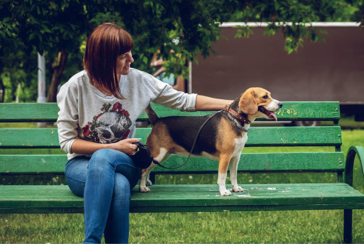 Know Someone Terrified Of Dogs? Here's How You Can Help Them Overcome it